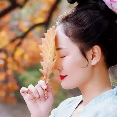 秋风落叶女子头像,唯美古风真