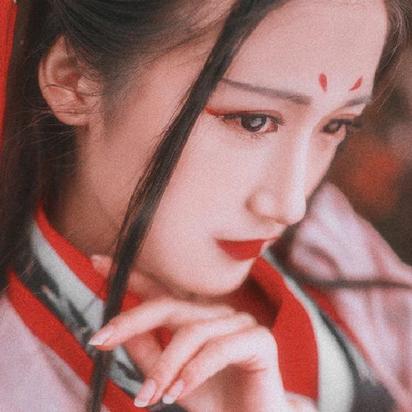枫叶红女生头像,唯美古风真人
