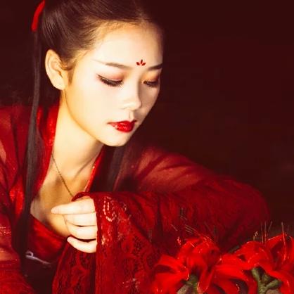 夜晚彼岸花红衣女生头像
