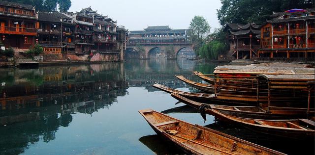中国十大古镇:体验古色古香的