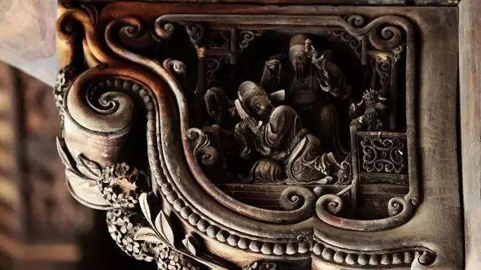 品味木雕艺术:感受中式老房的
