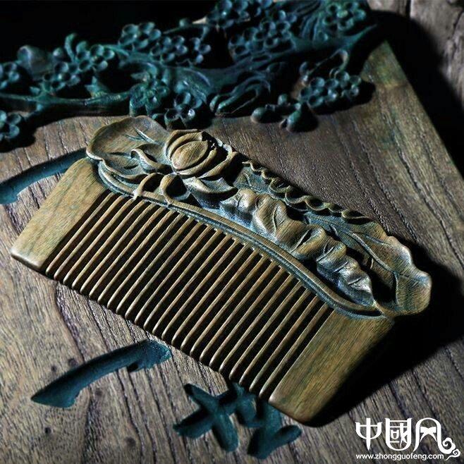 一组古风梳子饰品,品味