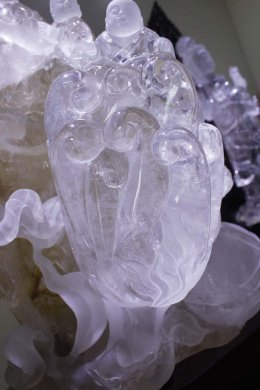 东海水晶雕刻,天然白水晶佛手