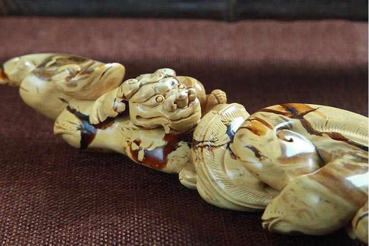 缅甸琥珀雕刻件,琥珀鉴别方法