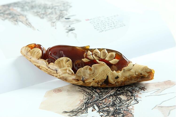 缅甸琥珀莲年有余雕件