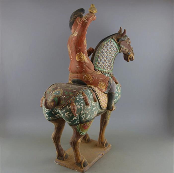 仿博物馆真品唐三彩绘画马上人狩猎马雕像