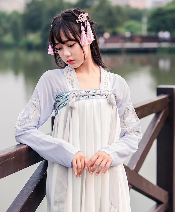 传统汉元素襦裙女古装图片