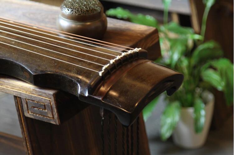 桐木凤势古琴中国古典乐器