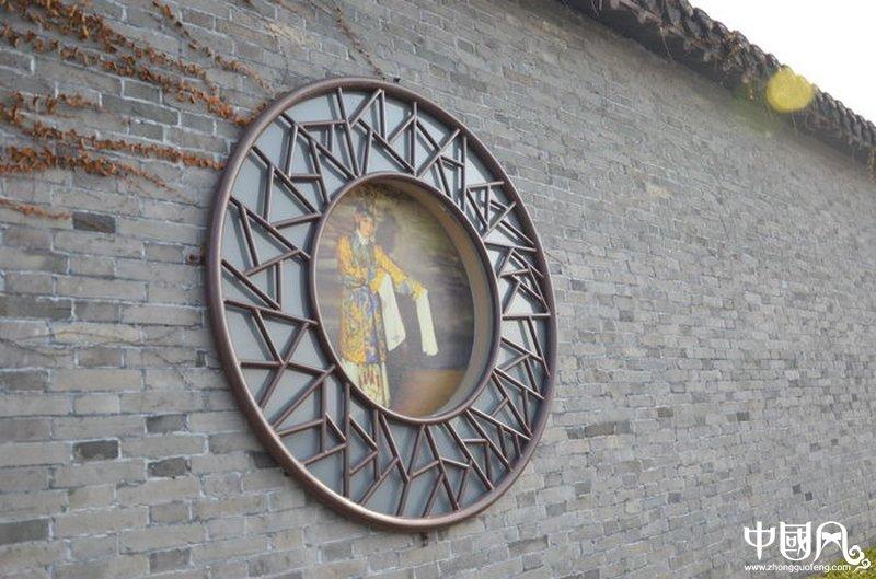 圆形中式窗户