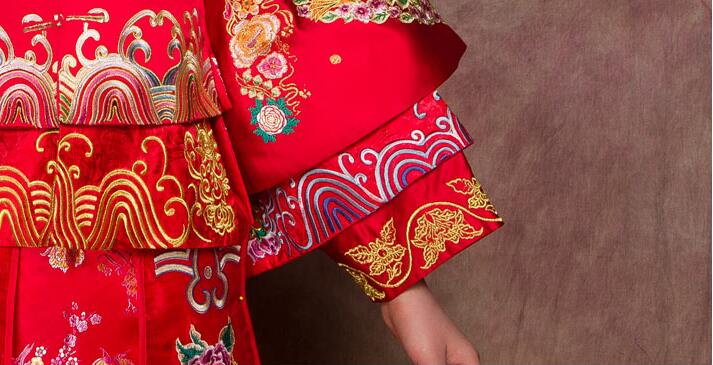 复古中国红刺绣龙凤褂新娘中式礼服图片