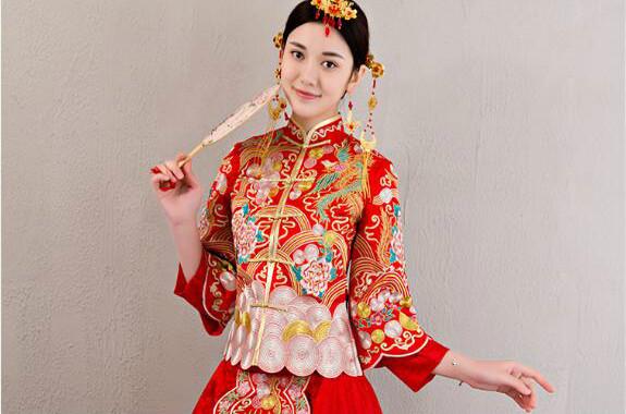 中国风龙凤褂刺绣礼服中式婚礼