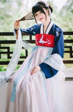国色芳华 传统汉服女齐胸对襟襦