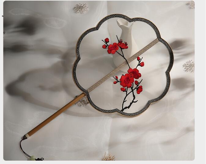 中国风玉竹柄刺绣宫扇