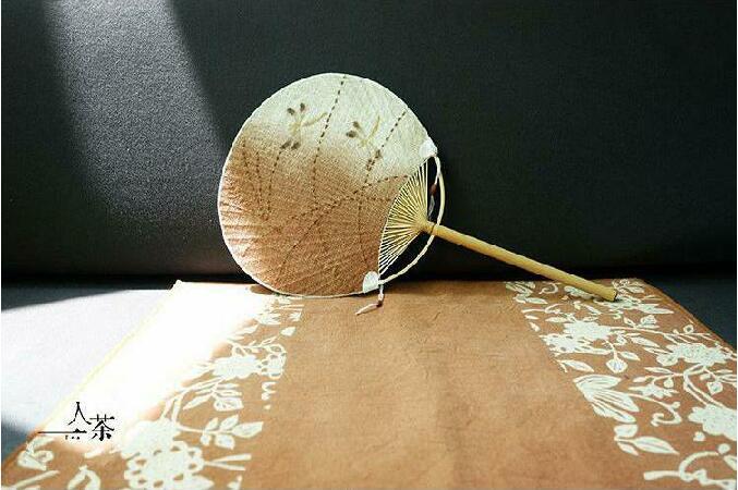 中国风复古刺绣和风扇