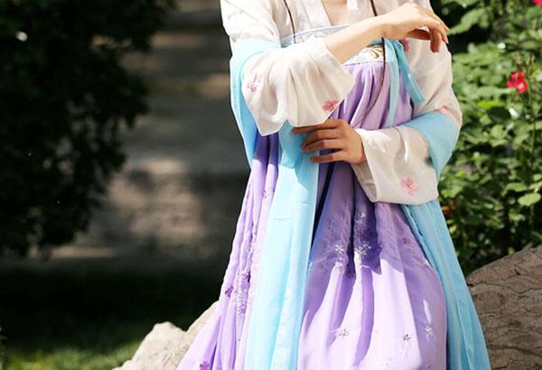 汉服刺绣襦裙齐胸襦裙