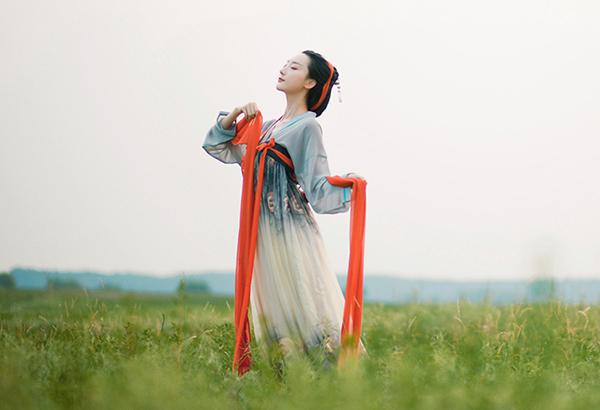 汉服水墨印花齐胸襦裙