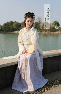 传统汉服交领襦裙绣花半臂齐腰襦