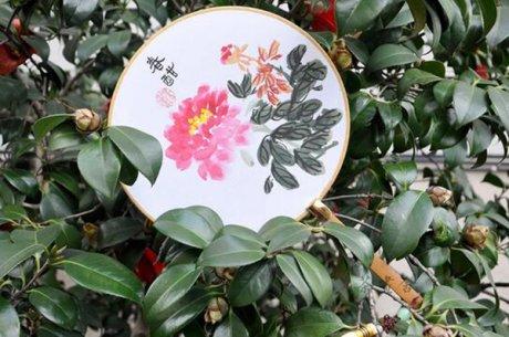 汉文化汉服配饰国画牡丹绢面团