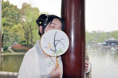 汉文化汉服周边配饰国画兰花绢