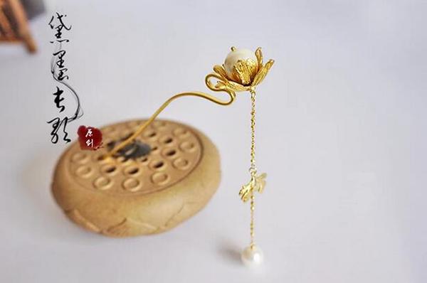 中国古风头饰贝壳黄铜步摇流苏发簪子