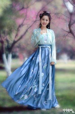 传统刺绣对襟襦裙汉服