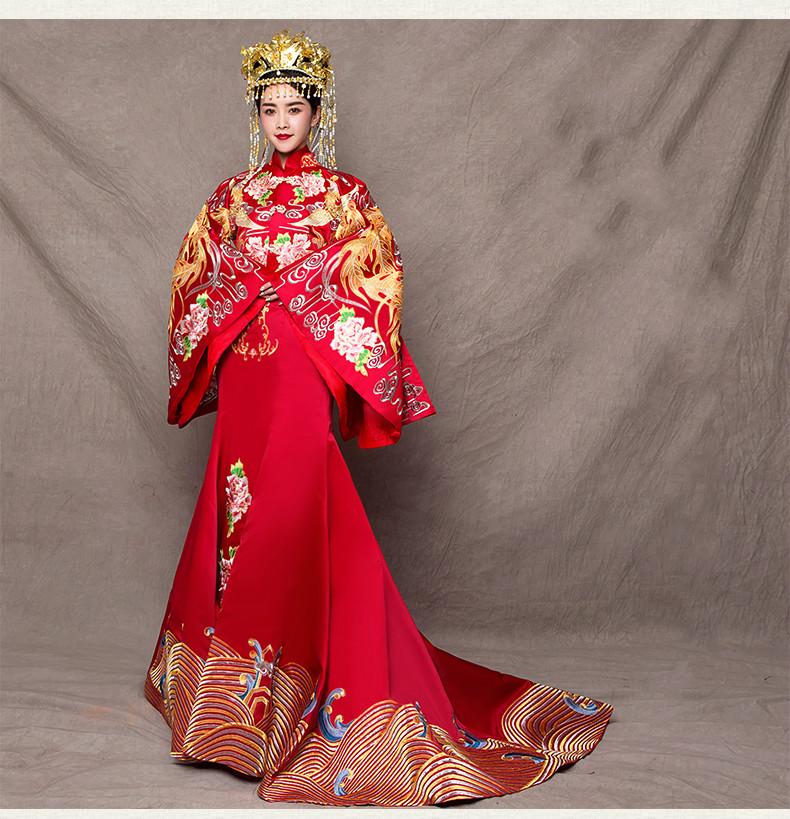 复古中式礼服新娘秀禾服