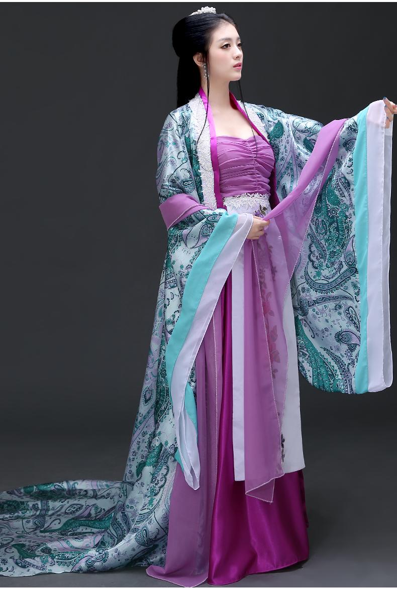 中式古典花纹图片_紫色抹胸长裙古装- 中国风