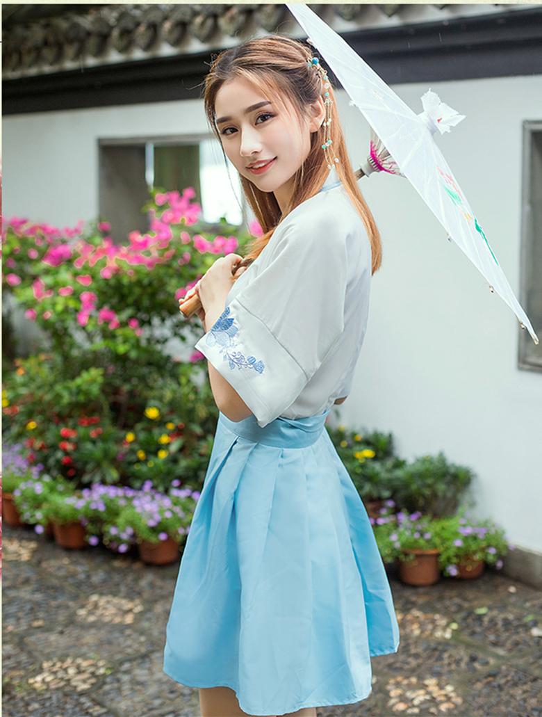 汉元素交领传统刺绣夏套装