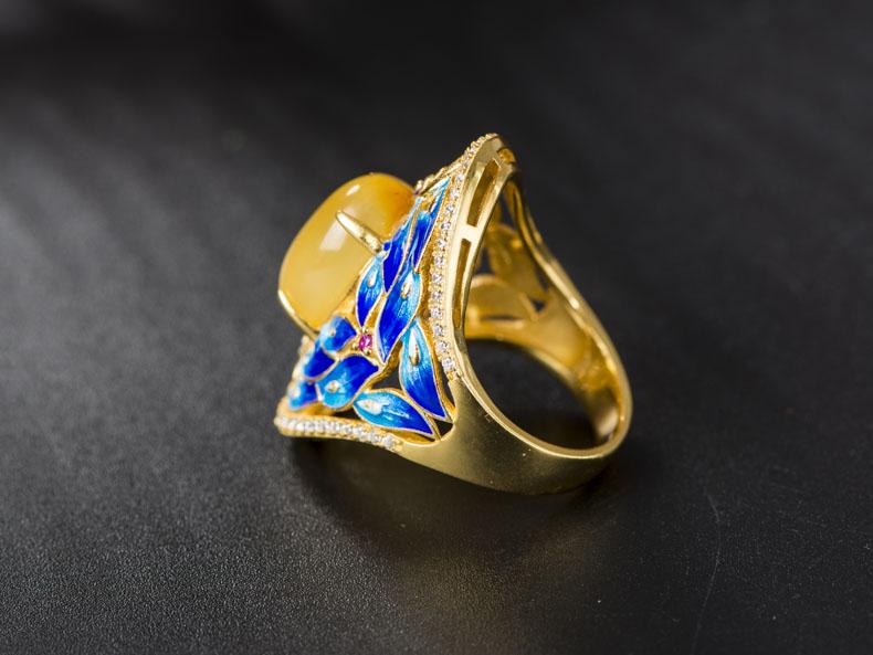 景泰蓝复古女士蜜蜡孔雀戒指