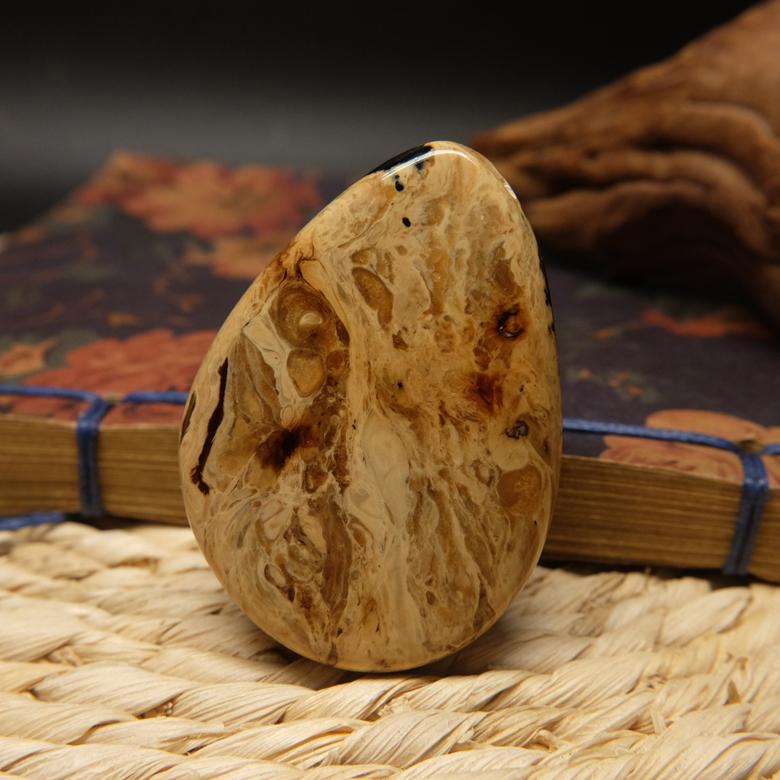 天然缅甸琥珀棕珀根珀手工随形吊坠