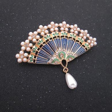 中国风扇子烤漆珍珠水钻复古镂空