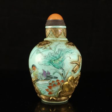 古老天然琉璃鎏金鼻烟壶
