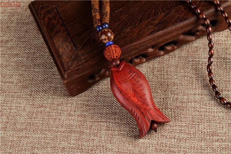 古朴典雅的木鱼吊坠项链