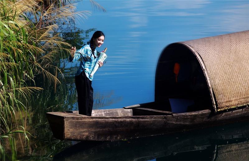青山绿水人物摄影