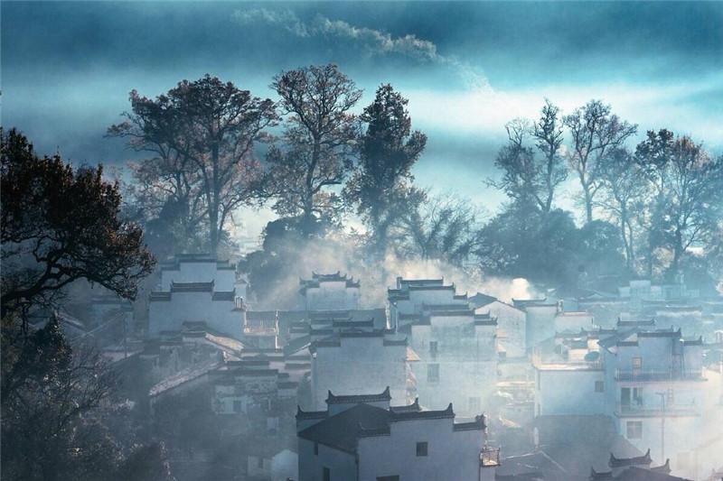 山中那绝美田园村落的景色