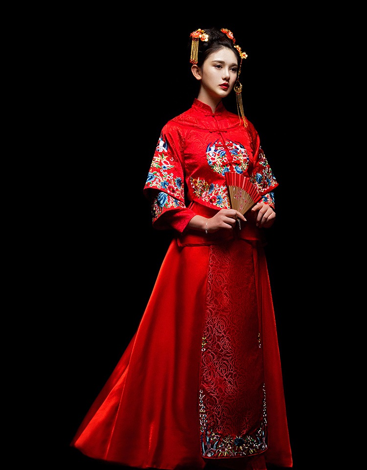 中国古典元素刺绣新娘礼服,敬酒服长袖春装