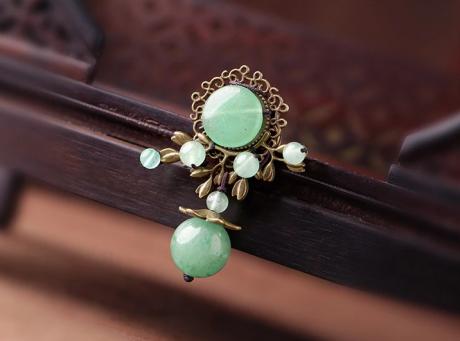 绿色胸针复古东陵玉饰品