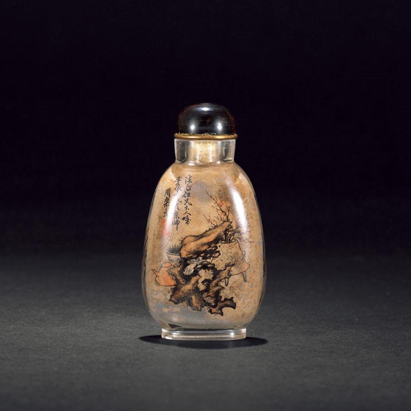 明清时代小巧精致的鼻烟壶