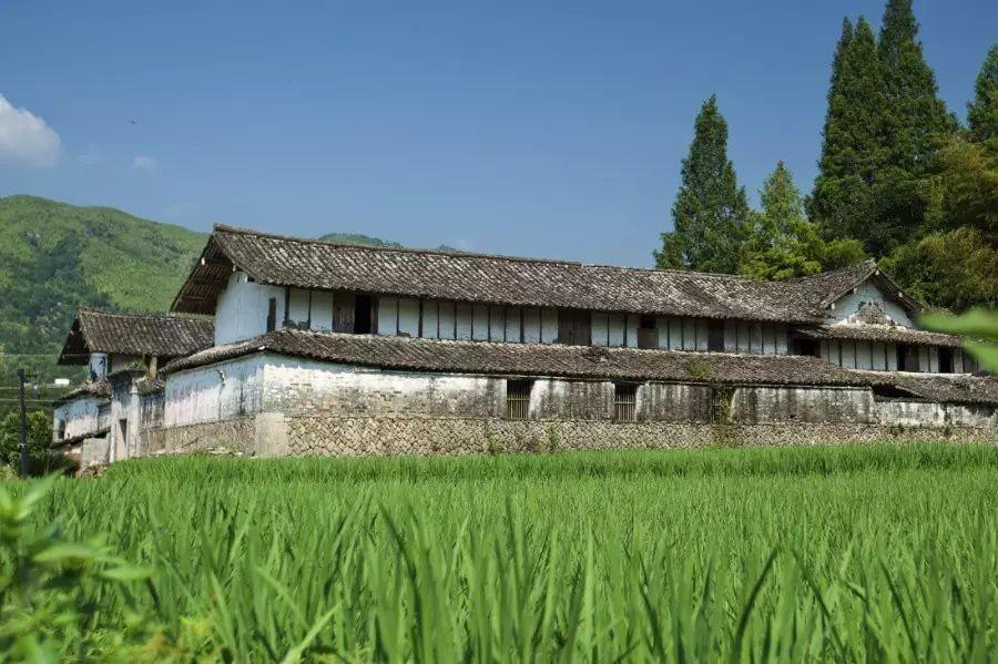 中国古建筑,千年古村不会消失但却只剩下老房