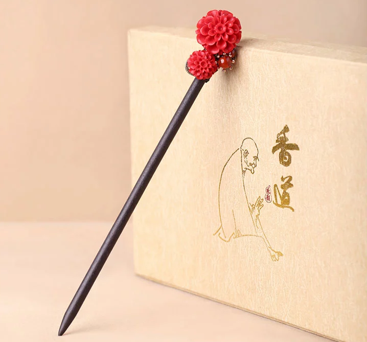 中国风漆雕花朵民族风红色簪子新娘头饰