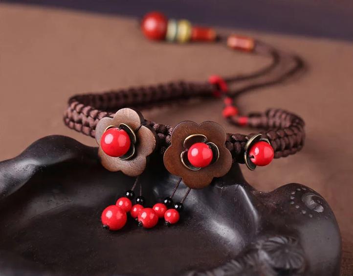 木质花朵红色锁骨链手工气质项链首饰