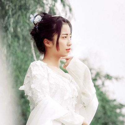 小清新唯美古风真人女子头像