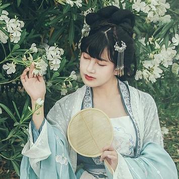 小清新唯美花朵头像,中国风古风真人女子头像