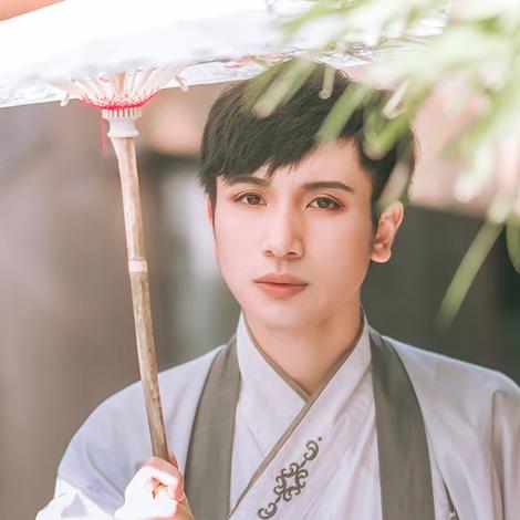 古典中国风汉服孤馆灯青头像,古风男生头像