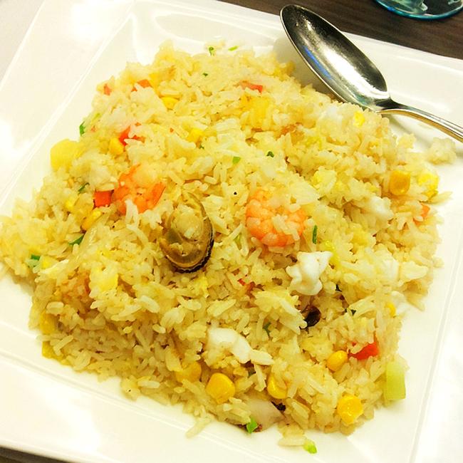 泰国美食菠萝饭