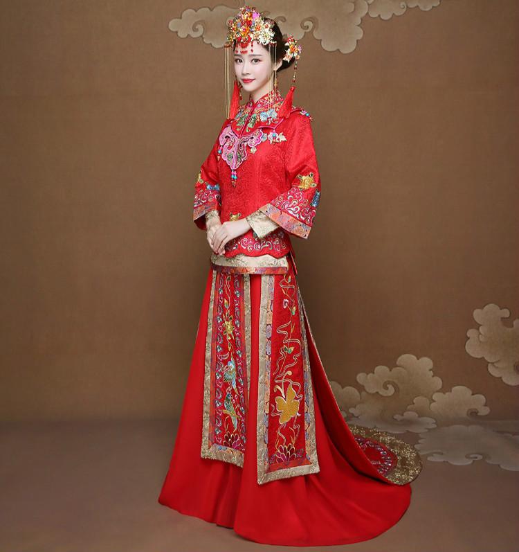 披肩拖尾秀禾服新娘礼服,时尚大气中式礼服