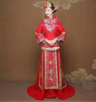 披肩拖尾秀禾服新娘礼服,时尚