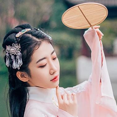 神魄2_桃花树下古风头像,唯美古风粉衣女子真人头像- 中国风
