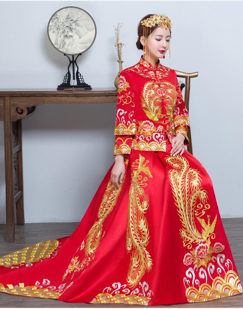时尚中国风拖尾中式礼服,金线刺绣新娘礼服