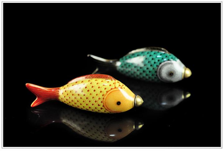 仿古瓷纯手绘粉彩描金鼻烟壶之双鱼